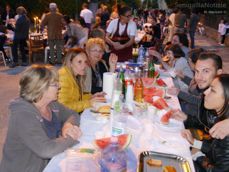 La Sfangata: festa e cena in strada per gli alluvionati