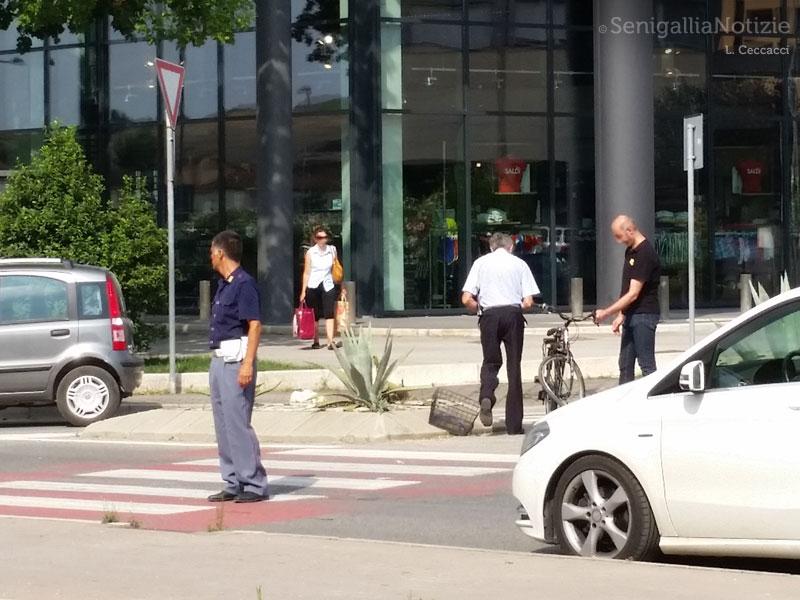 Incidente tra via Abbagnano e via Giordano Bruno