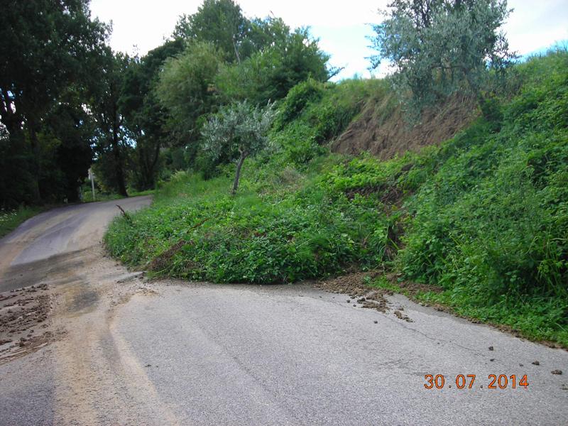 Smottamenti e frane ad Arcevia per il maltempo di fine luglio 2014
