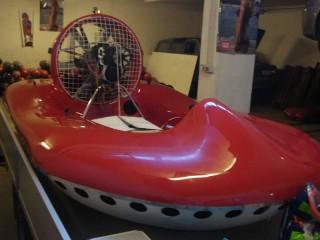 Hovercraft che verrà presentato a Senigallia