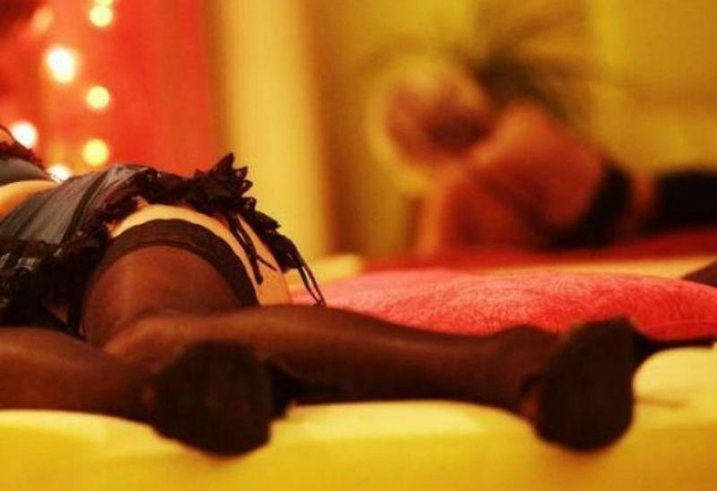 Prostituta a letto
