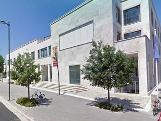 Il palazzo Nuova Gioventù (ex GIL) che ospita gli uffici comunali lungo viale Leopardi, a Senigallia