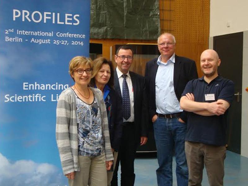 I docenti italiani che hanno partecipato al convegno Profiles di Berlino assieme al responsabile europeo del progetto, Prof. Claus Bolte della Freie Universitat di Berlino.