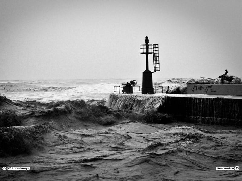 Campania: nuovo allerta meteo della Protezione Civile, paura per pioggia e vento