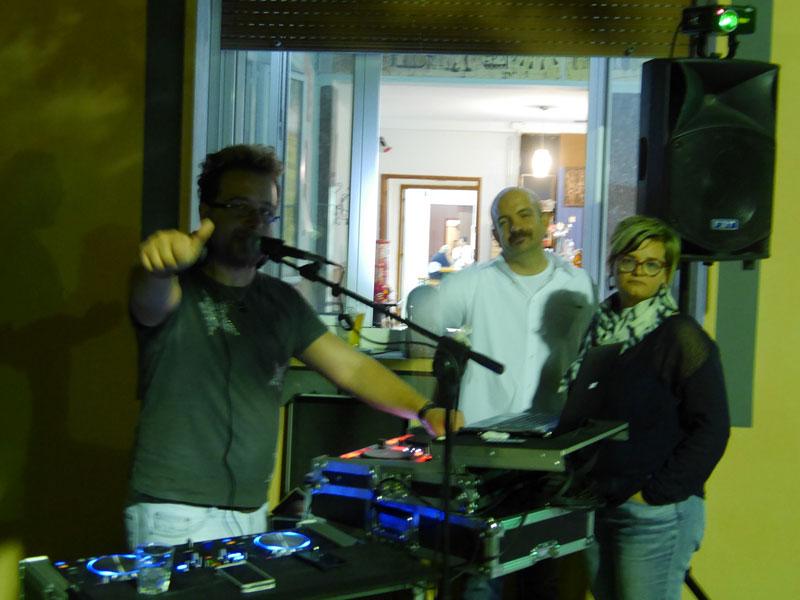 Serata di balli e divertimento a Scapezzano con Gent'd'S'nigaja e Radio Monk