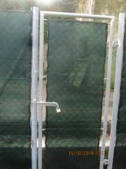 La recinzione nel parcheggio dell'ex arena Italia di Senigallia