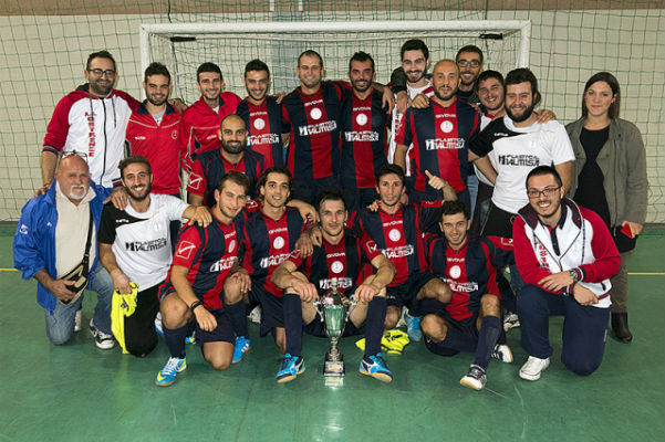 L'Ostrense C5 con la Coppa Marche 2014/15