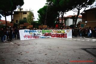 Il corteo degli studenti a Senigallia sulla scuola pubblica