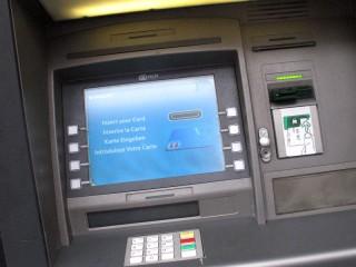 bancomat, soldi, prelievi, sportelli automatici
