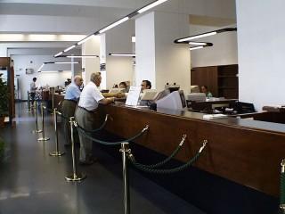 sportelli di banca, cassieri, istituto di credito