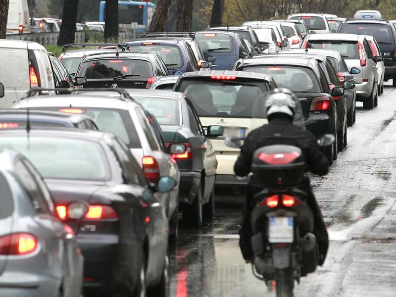traffico, auto, macchine, smog, viabilità, automobilisti, assicurazioni
