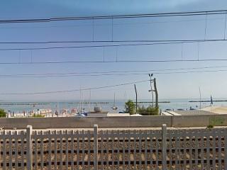La spiaggia a Falconara Marittima