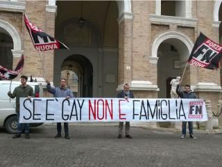Forza Nuova manifesta contro i matrimoni gay