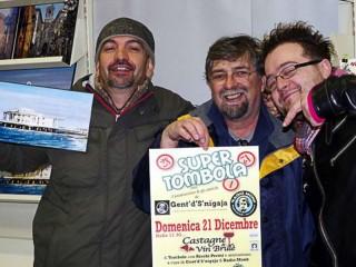 Gent'd'S'nigaja. Radio Monk e Todos Locos organizzano la Tombolata di Natale al Caffè Italia