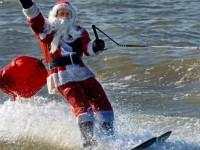 Babbo Natale galleggia..sull'acqua
