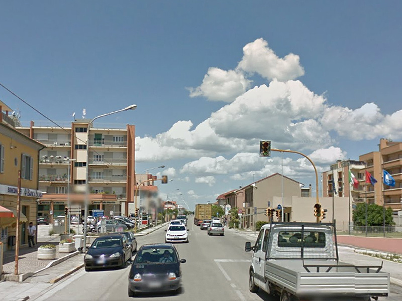 Il semaforo sulla Statale Adriatica a Marzocca di Senigallia
