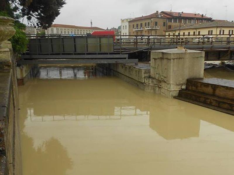 L'alluvione di Senigallia, 3 maggio 2014: il sottopasso di via Perilli