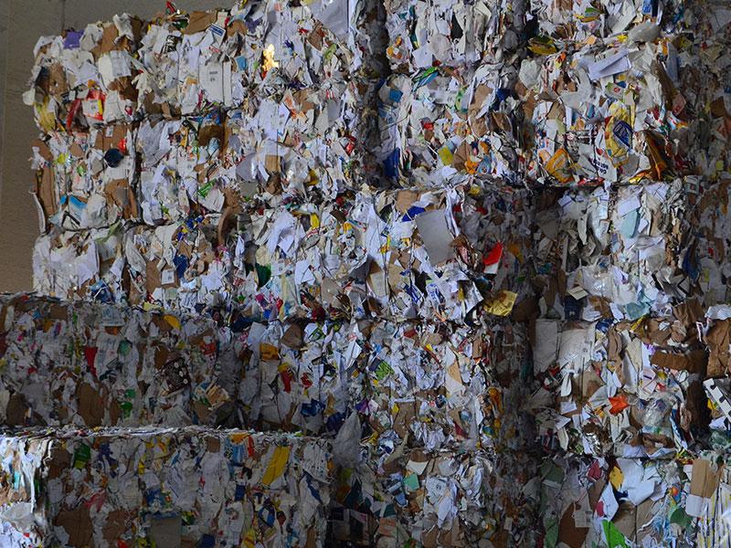 Carta da riciclare, riciclaggio rifiuti