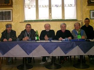 Nel tavolo della Presidenza, al centro insieme ai componenti del Direttivo degli Amici della foce del fiume Cesano, il Presidente Nazionale di Pro Natura, Mauro Furlani, in occasione dell'affollata assemblea annuale del 22 febbraio 2015 a Cesano