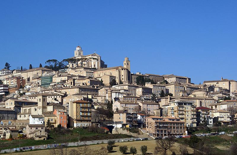 Veduta della città di Fermo