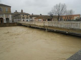 Misa alto su Ponte Garibaldi