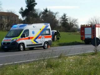 Incidente a Borgo Catena, ambulanza e Vigili del Fuoco sul posto