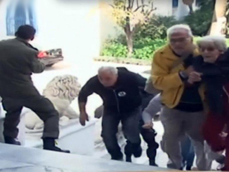 Coppia di osimani sfugge all'attentato dell'Isis a Tunisi