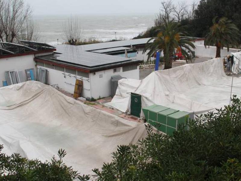 La copertura della piscina al Passetto di Ancona