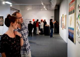 I visitatori alla mostra del movimento Introvisione