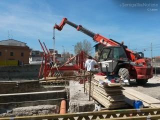 Lavori sul ponte Perilli a Senigallia