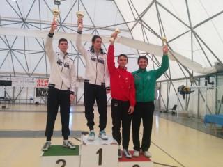 Osimo, Coppa Italia di scherma: Lorenzo Cesaro, atleta del Club Scherma senigalliese, ha raggiunto nell'arma di fioretto il 3° posto (a destra, maglia verde)