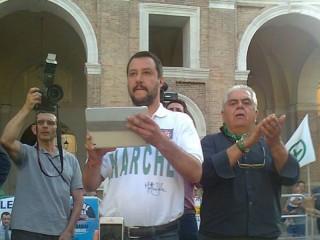 Matteo Salvini e Sandro Zaffiri in piazza Roma a Senigallia