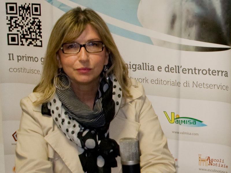 Stefania Martinangeli intervistata nella redazione di Senigallia Notizie