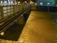Il fiume Misa attorno alle 22.30 del 22 maggio 2015