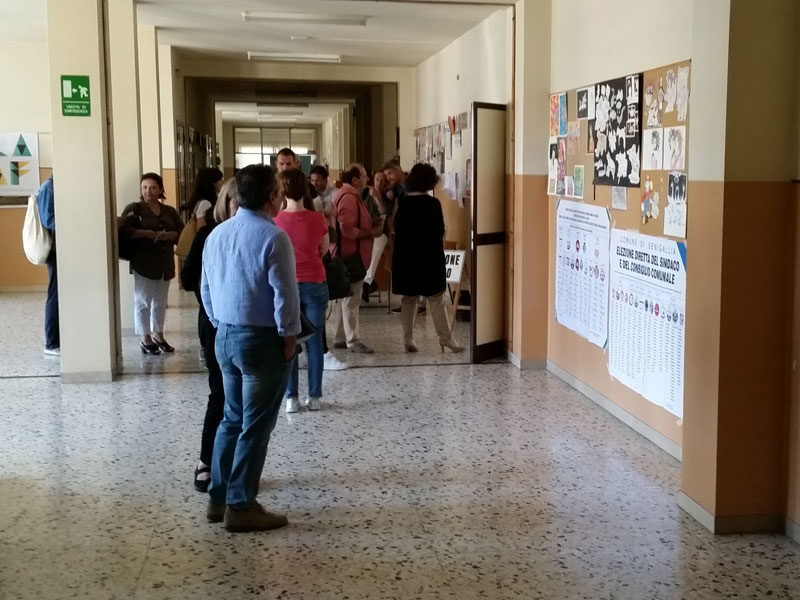 Elezioni 2015: affluenza alla scuola Marchetti di Senigallia