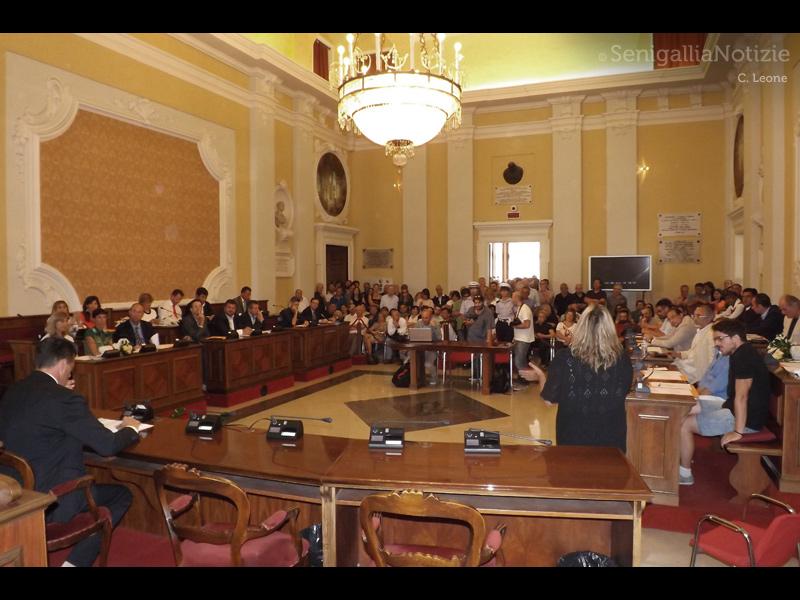 Primo consiglio comunale post elezioni a Senigallia