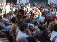 Sara Zambotti col pubblico di Caterpillar del 1 luglio 2015