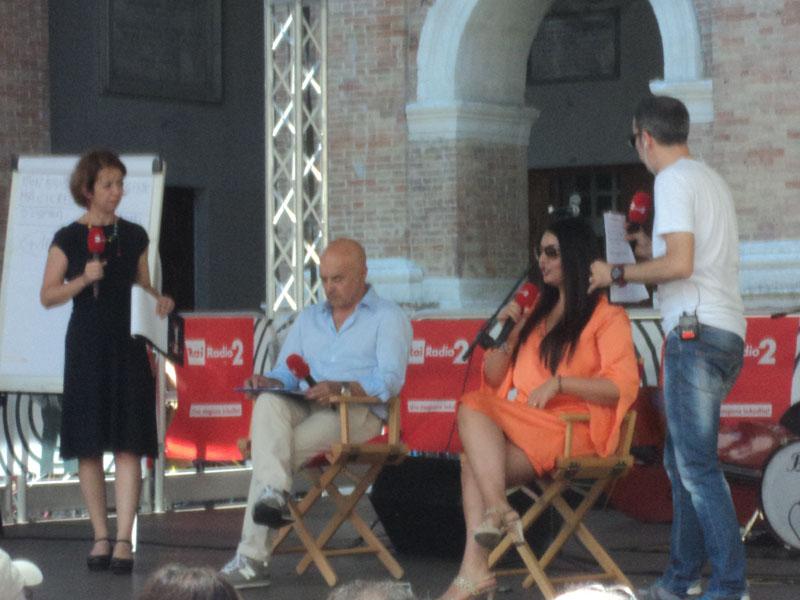 Luca Zingaretti e Elisa d'Ospina a Caterpillar AM del 3 luglio 2015