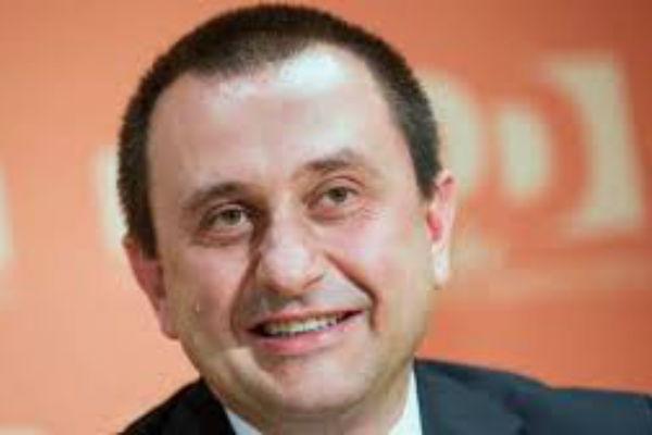 L onorevole rosato chiude la festa del pd senigallia for Deputati del pd