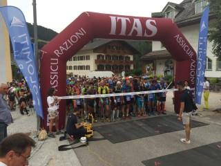 Gli atleti alla partenza della Dolomiti Sky Run