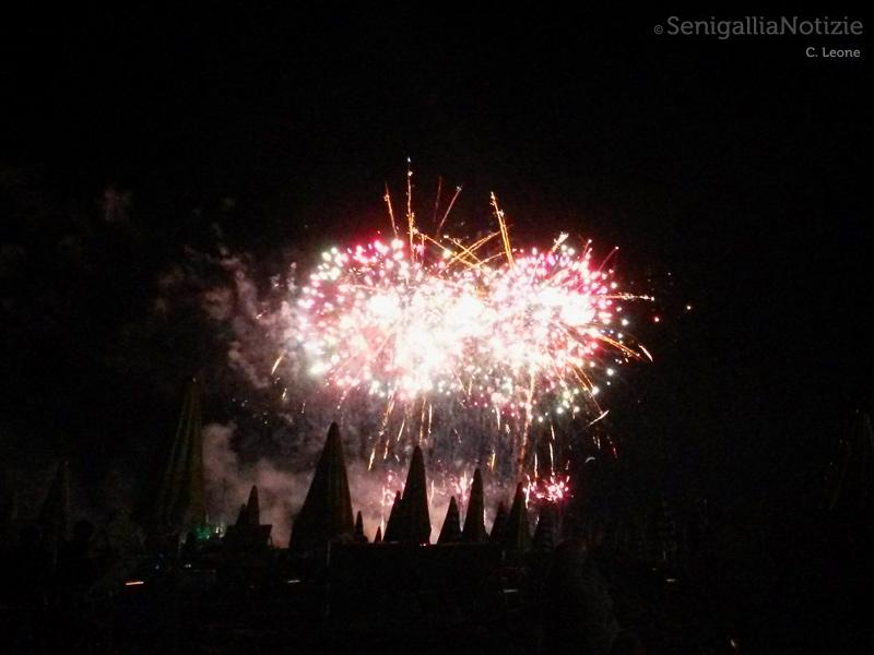 Spettacolo dei fuochi d'artificio a Senigallia del 18 agosto 2015