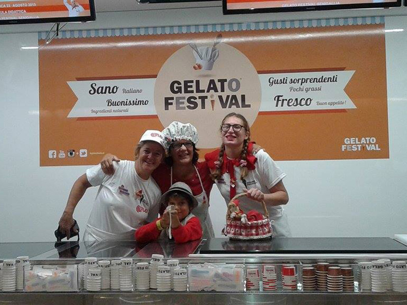 """Il gusto Cappuccetto rosso ideato da Giovanna Bonazzi di Verona """"vince"""" la tappa di Senigallia del Gelato Festival 2015"""