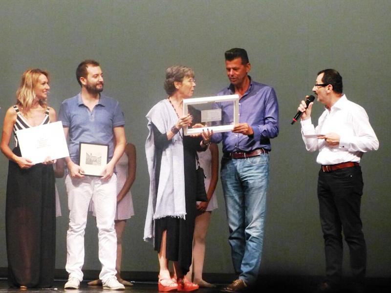 Durante la serata conclusiva della seconda edizione di Danzamare, c'è stato il conferimento del premio alla carriera ad Anna Maria Prina, per 22 anni direttrice della Scuola di Ballo dell'Accademia Teatro alla Scala