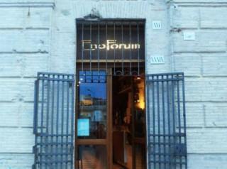 Il locale EnoForum al Foro annonario di Senigallia