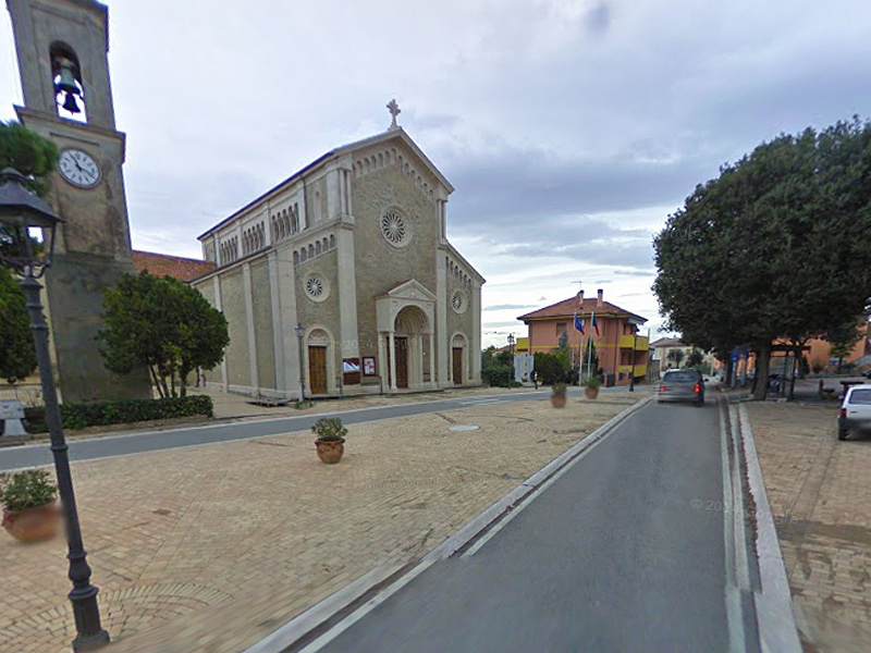 La piazza Giordano Bruno a Montignano di Senigallia