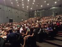 """Il pubblico presente allo spettacolo """"Grease"""", il musical che ha animato e coinvolto centinaia di spettatori al teatro La Fenice di Senigallia"""