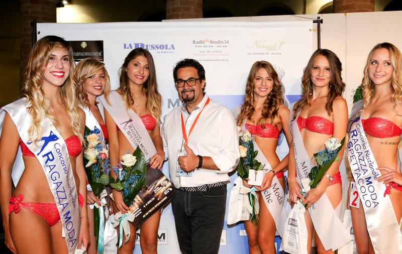 Le vincitrici del concorso di bellezza al Foro Annonario di Senigallia