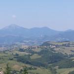 La visuale dell'appennino umbro marchigiano dal sito del Monte Croce Guardia, ad Arcevia. Foto di Roberta Antonini