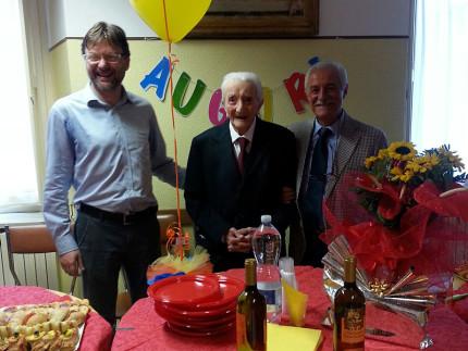 Arcevia ha festeggiato un altro centenario: cerimonia con parenti e autorità per Alberto Antognoni