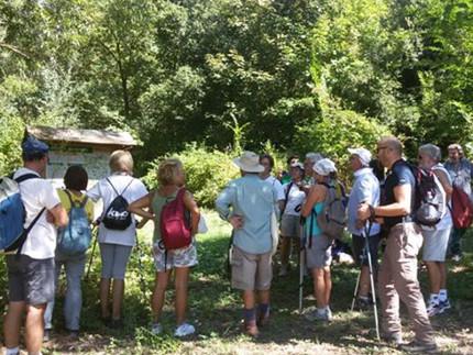 I partecipanti all'escursione naturalistica lungo il fiume Misa di Senigallia